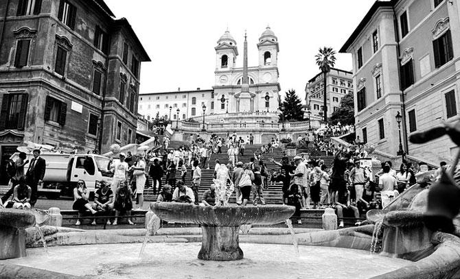 Испанская лестница в Риме на реставрации