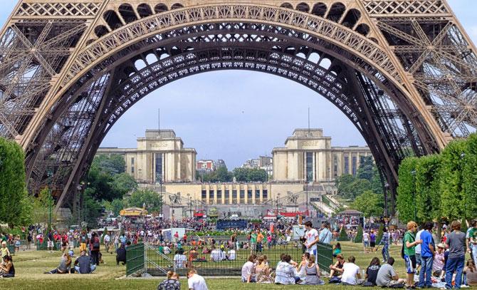 Когда лучше ехать в Париж