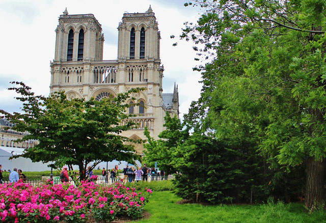 Париж весной самостоятельно