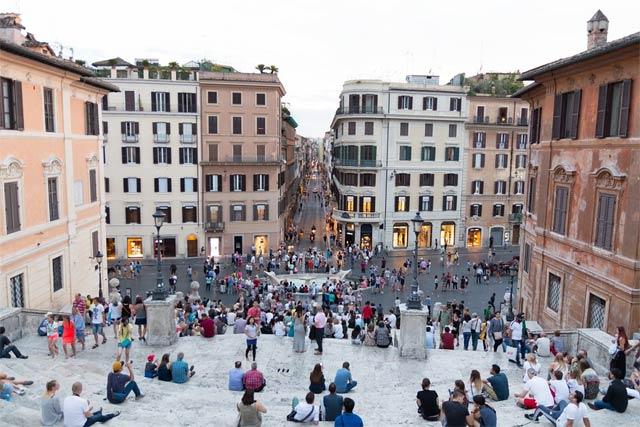 Самые красивые площади Рима - площадь Испании