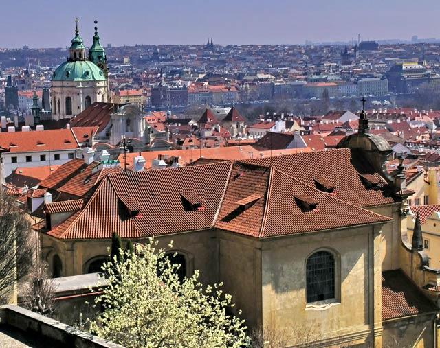 весна в Праге, самостоятельно в Прагу весной,