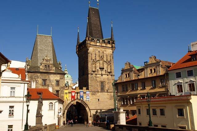 Смотровые площадки в Праге: Малостранские мостовые башни