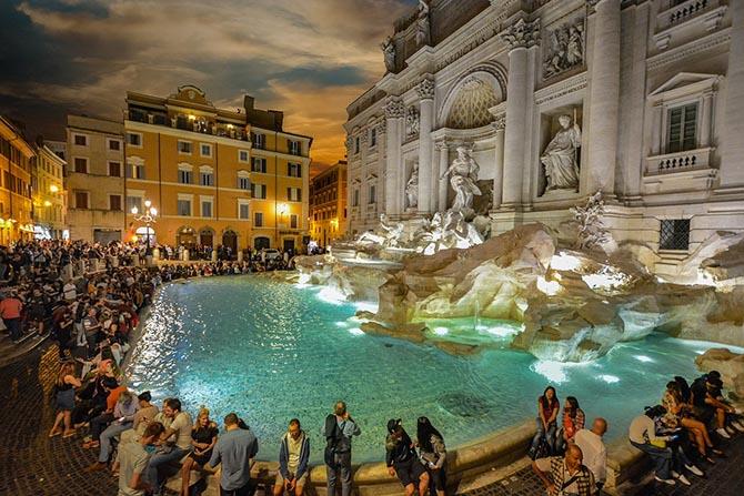 Фонтан Треви в Риме фото