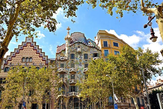 Барселона самостоятельно экскурсии аудиогид