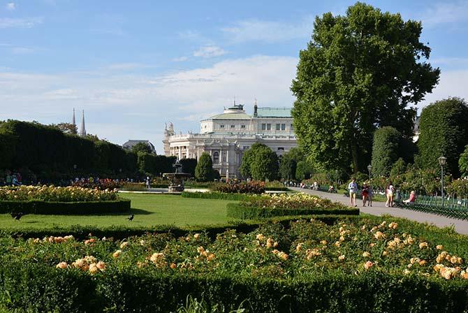куда поехать весной Вена