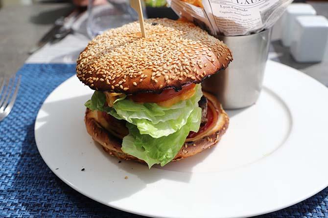 где поесть в Париже недорого