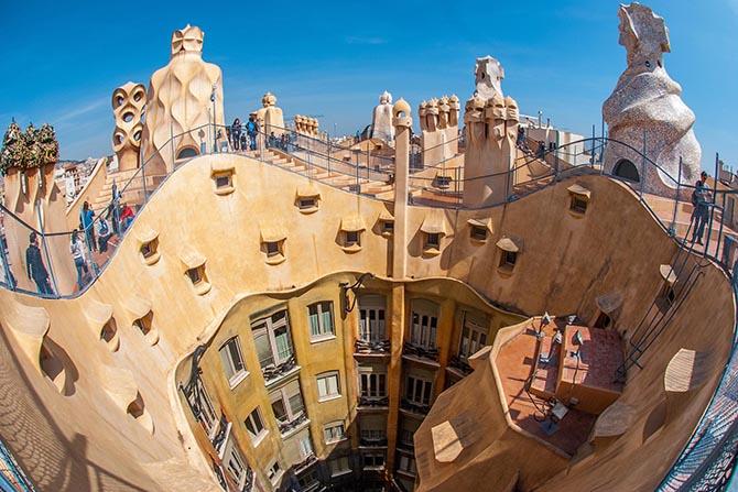 Дом Бальо в Барселоне - Гауди