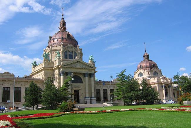 Купальни Будапешта достопримечательности