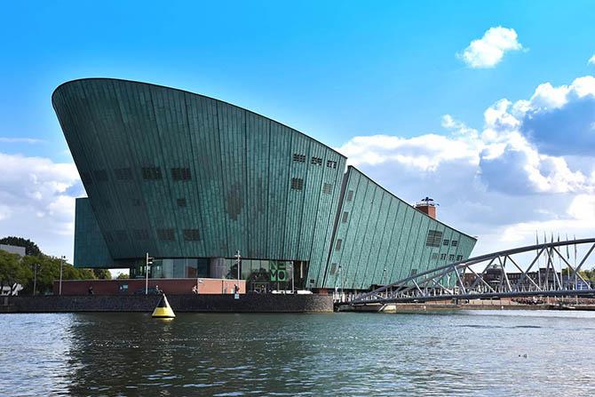 Амстердам Голландия музей Немо